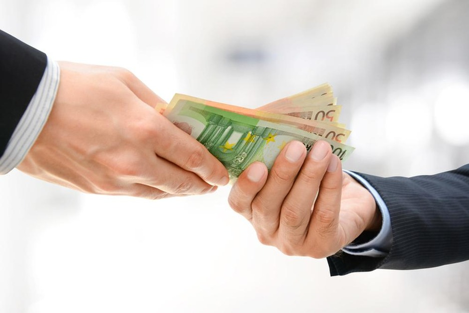 Moet u kiezen tussen cash of aandelen Quest for Growth?